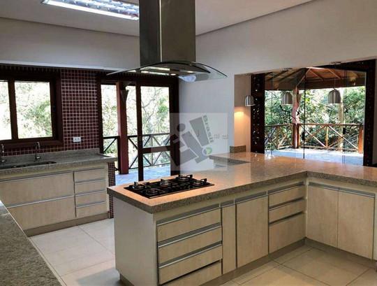 Casa com 5 dormitórios à venda, 769 m² por R$ 1.900.000 – Golf Gardens – Carapicuíba/SP