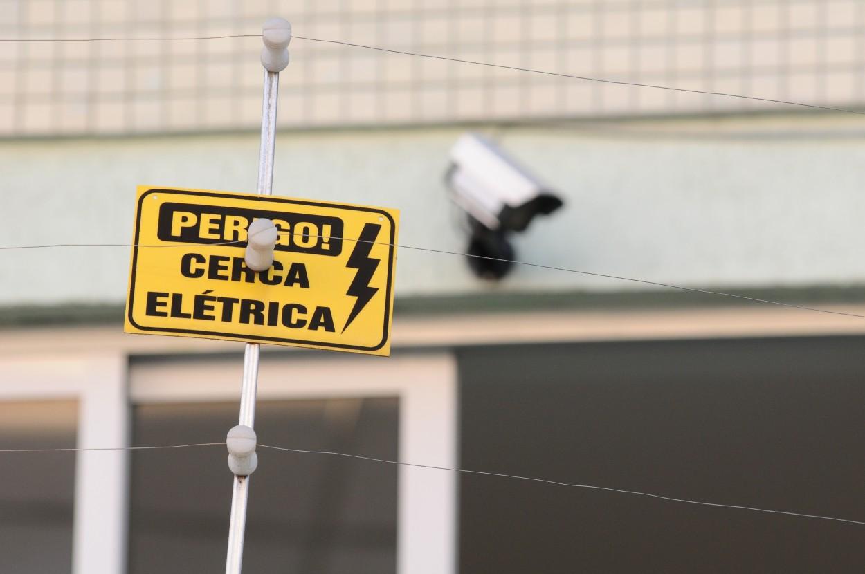 Manutençao De Cerca Eletrica Chacara Cruzeiro do Sul (11) 98475-2594